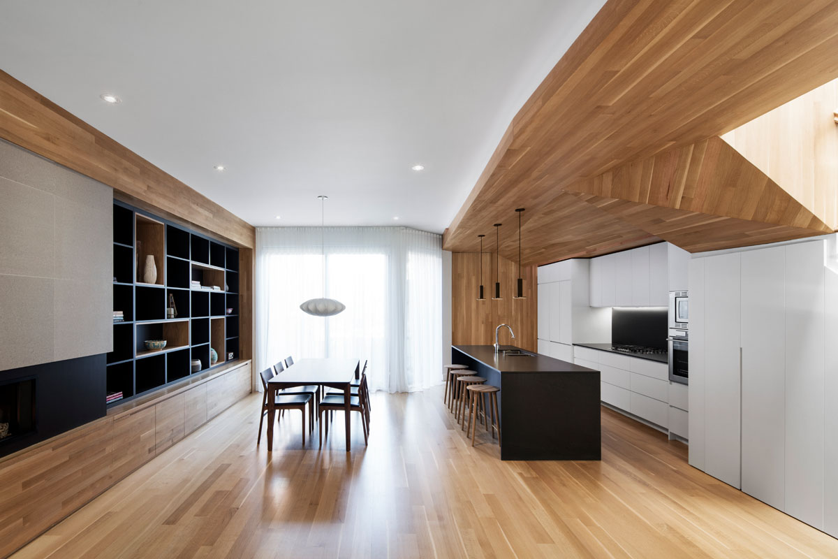 Wood Defines the La Casa Duplex Renovation in Montreal kontaktmag